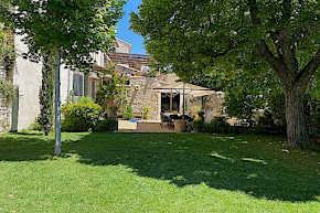 A Private Villa in the Picturesque Village of Joucas in vaucluse