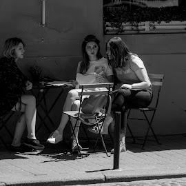 l by Dušan Gajšek - Black & White Street & Candid