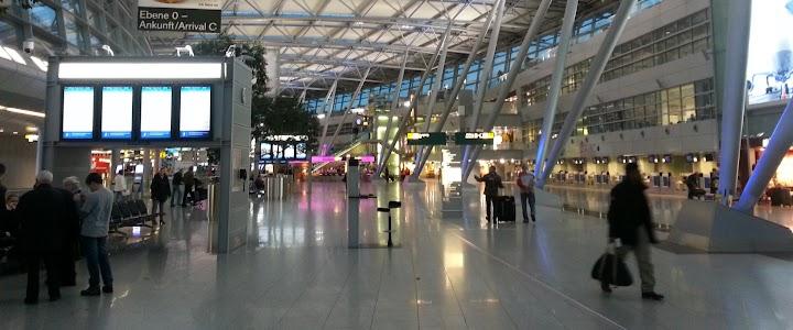 Flughafen-Halle.