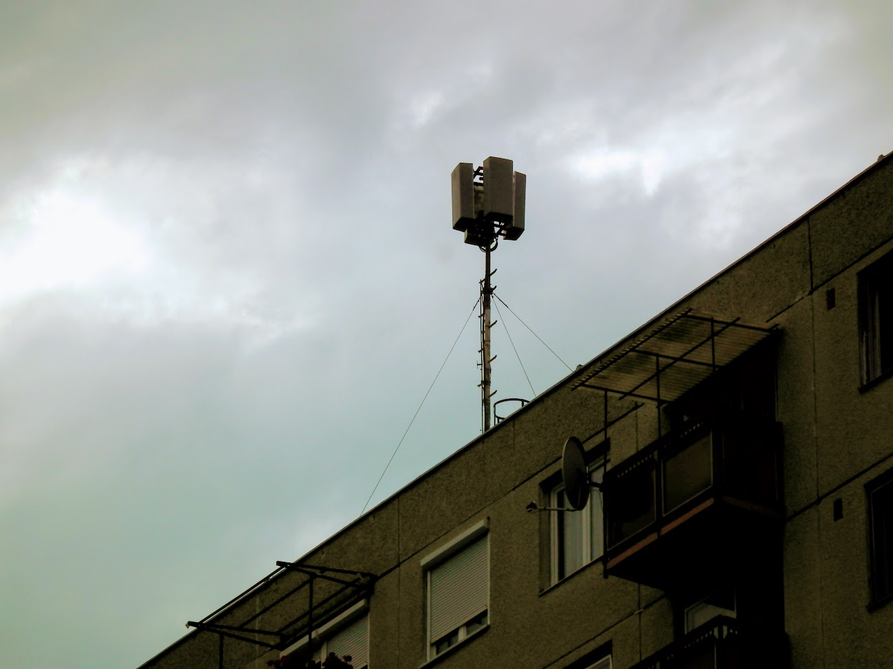Hajdúszoboszló/toronyház, Szilfákalja 8. - helyi DVB-T adóállomás