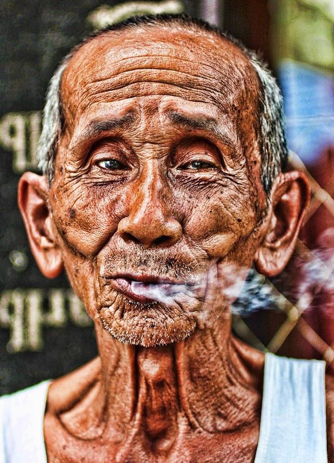 Oldman @Tamiyang by Iksal Yanuarsyah - People Portraits of Men