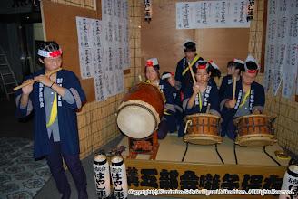 Photo: 【平成19年(2007) 宵宮】 中学生女性陣も気合を込める。