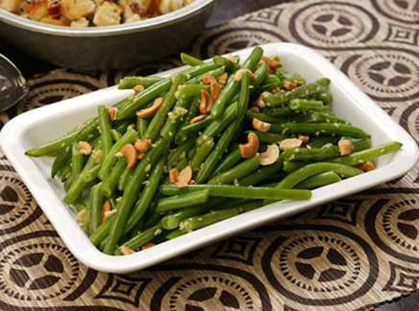 Buttered Green Beans With Cashews Recipe