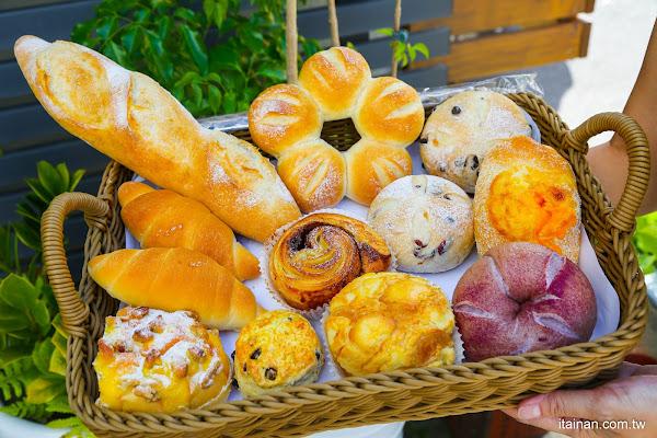 台南麵包烘焙|湖美社區巷弄間的車庫烘焙坊,職人手作烘焙!質感滿分的「V17手感烘焙坊」