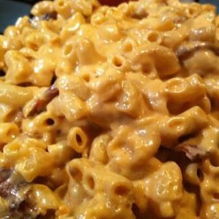 Creamy Bacon/chipotle Mac N Cheese.
