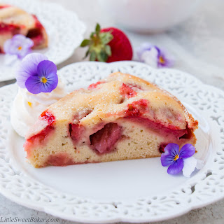 Simple Fresh Strawberry Cake (video)