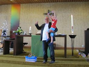 Photo: Timo laat z'n medaille zien
