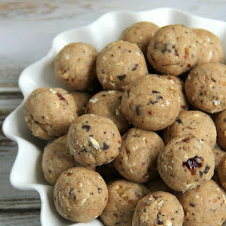 Gluten Free Breakfast (or Snack!) Balls