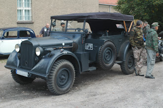 Photo: mittlerer oder schwerer Einheits Kübelwagen