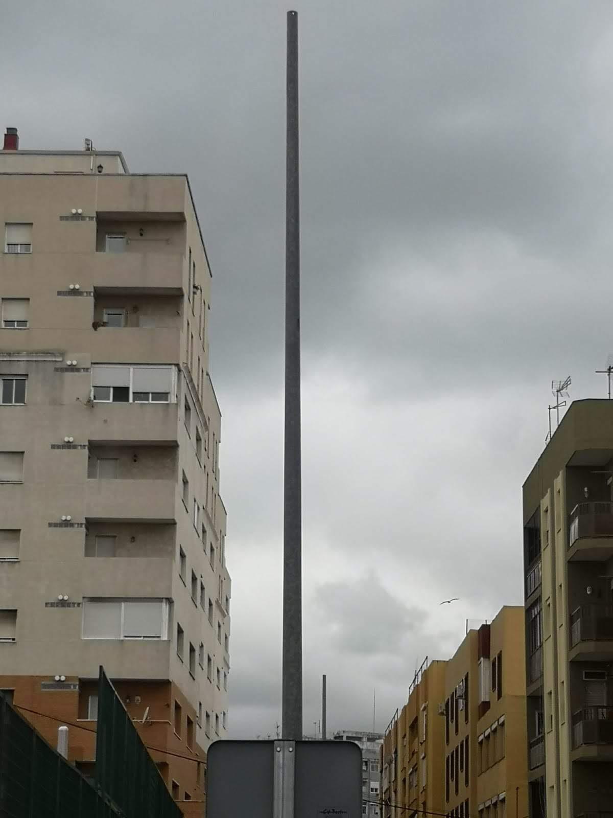 La Voz de Algeciras exige la instalación de luminarias en la calle Jacinto Benavente