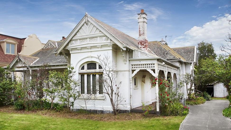 'Maroondah' 177 Kooyong Road Toorak, Vic 3142- sold for $5.8 million