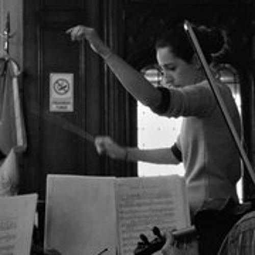 Laura Desmoures Directora de Orquesta