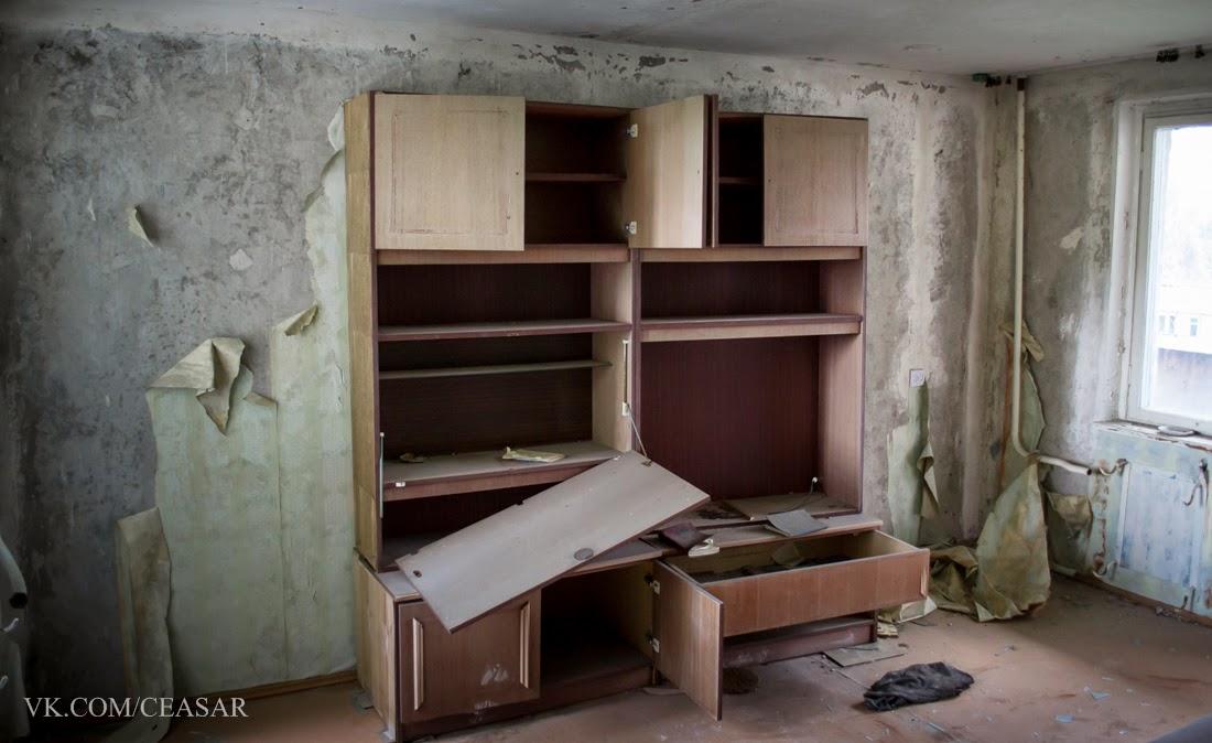 Внутри одной из запертых квартир Припяти