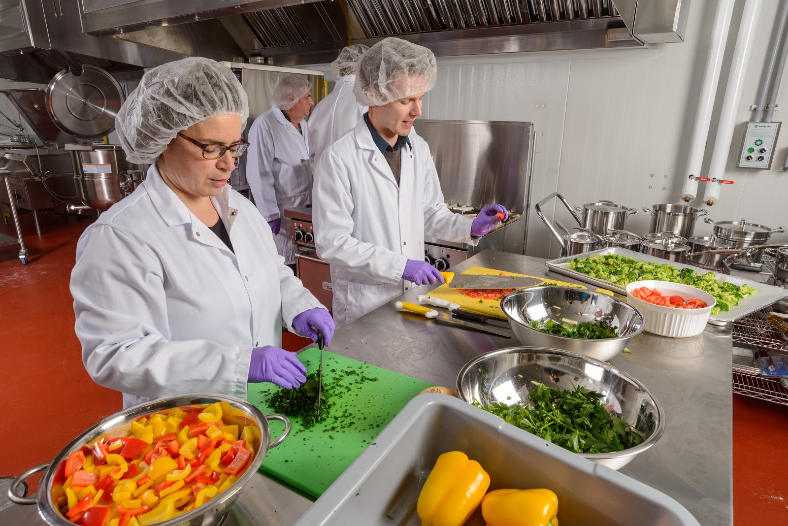 Keep Your Agri-Food Business Green with a Commercial Kitchen