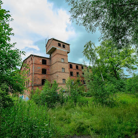 Elevator tower from outer woods by Matizki Blixten - Buildings & Architecture Decaying & Abandoned ( urban exploration, industrial, germany, bricks, decay, abandoned )