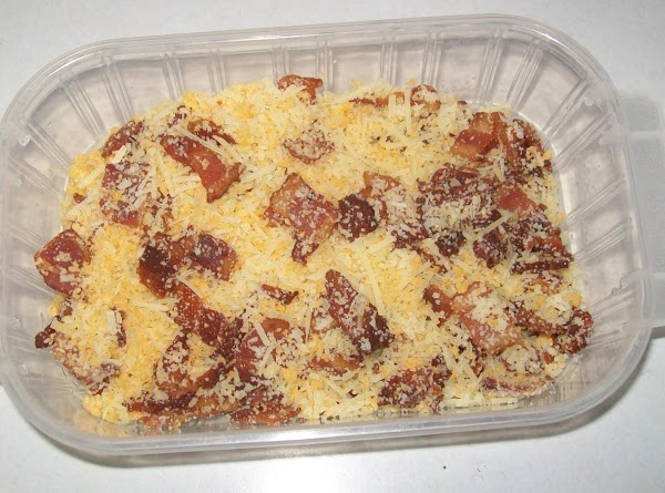 Mix the remaining Parmesan cheese with the bacon and the Panko.