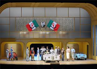 Photo: LA CENERENTOLA an der Wiener Staatsoper. Premiere 26.1.2013. Inszenierung: Sven Eric Bechtolf. Ensemble. Foto: Barbara Zeininger