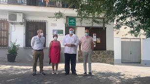 El diputado provincial junto a otras autoridades políticas en su visita a Beires.