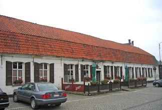 Photo: Une des typiques et accueillantes auberges de Wieze