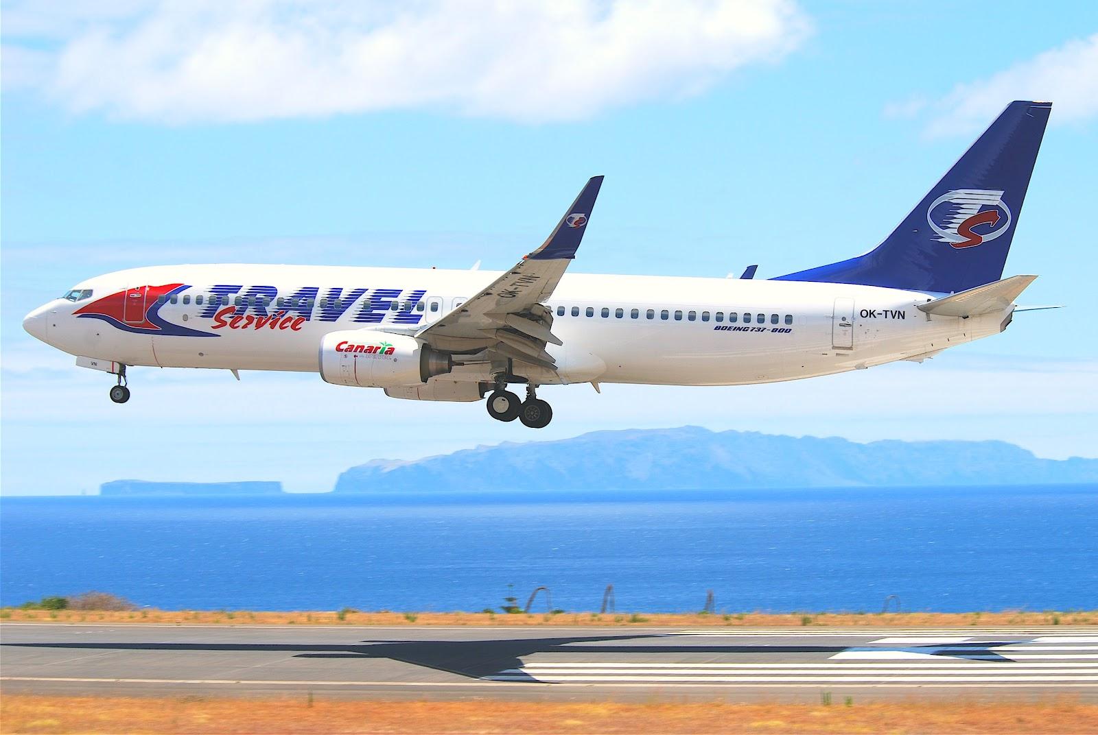 Travel_Service_Boeing_737-8BK%3B_OK-TVN@FNC%3B12.07.2011_607an_(5940100846).jpg