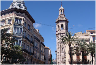 Photo: Santa Catalina y Edificio San Vicente nº1 ( Valencia)http://www.viajesenfamilia.it/