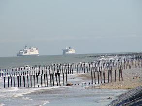 Photo: Promy zmierzają z Dover do Calais.
