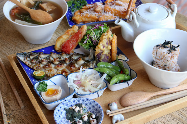藍晒圖園區裡的原汁原味平價日式餐點,讓生活變的更有趣也更有味道。「趣活藍晒圖」|推薦|聚餐|台南旅遊|