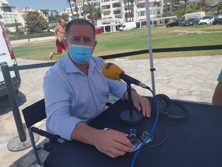 El concejal de Turismo y Playas en el set de La SER