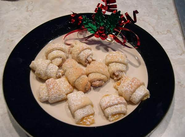 Nut Horns (yeast Cookie)