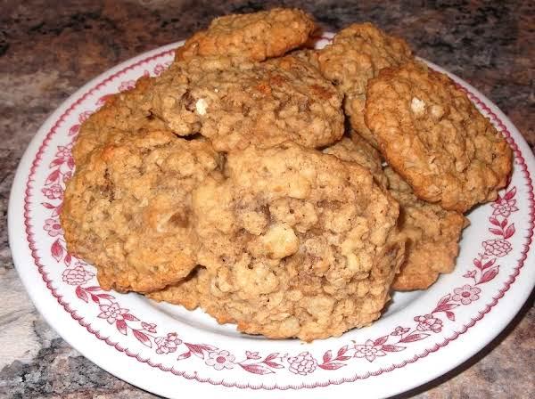 Black Walnut Oatmeal Cookies Recipe
