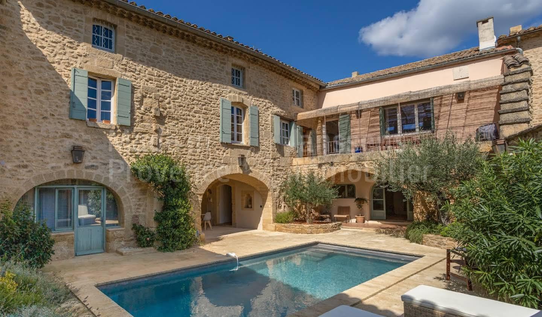 Maison avec piscine Vers-Pont-du-Gard