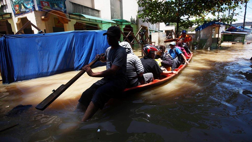 banjir dayeuhkolot bandung 2016.jpg