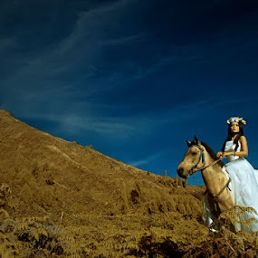 Beauty in Bromo by Adiie Winata - People Portraits of Women ( fashion, animals, mount, horse, transportation, beauty, landscape, women )