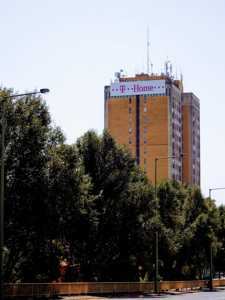Szeged/toronyház, Temesvári krt. 34. - helyi URH-FM adóállomás