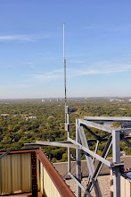 Photo: VE4WDR UHF Omi on the antenna structure