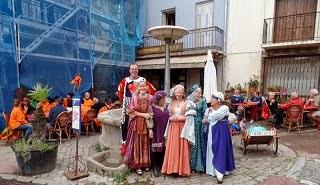 """Photo: Lizzie, Lidy, Anne, Ruth, Martine et Jean-Louis, patron de """"El Tap"""""""