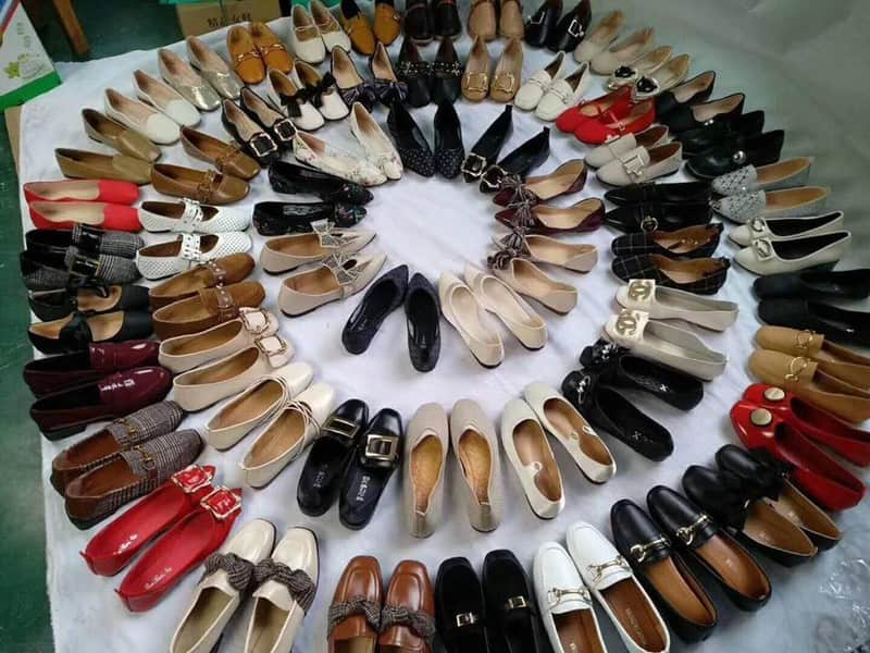 Mặt hàng giày dép thời trang tại xưởng rất được ưa chuộng