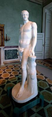 il bianco scultoreo... di Francesco Di Maio
