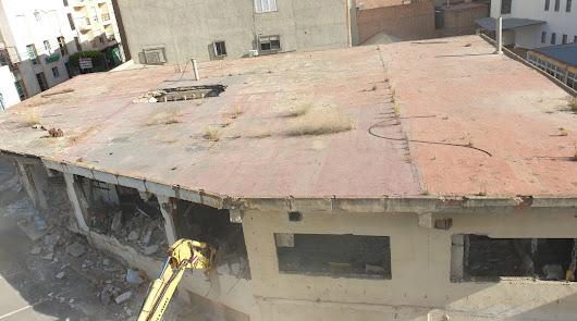 Comienza en Albox la demolición de la mítica discoteca 'Las Vegas'