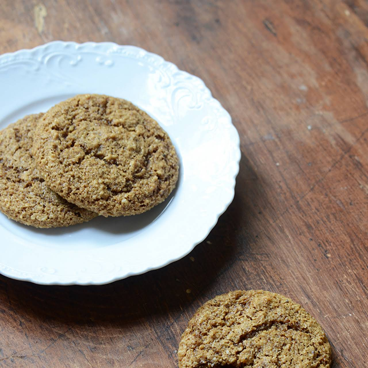 Chewy Molasses Gingerbread Cookies