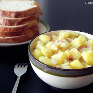 Pears and Apples with Potatoes and Bacon (Schnitz und Drunder)