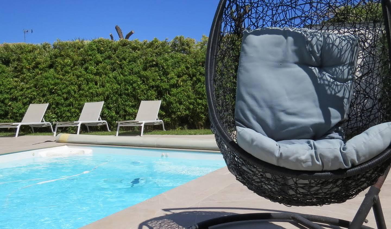 Villa avec piscine en bord de mer Sainte marie la mer