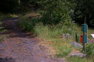 Photo: Ein Weg und Briefkaesten. Wo sind nur die Haeuser dazu?