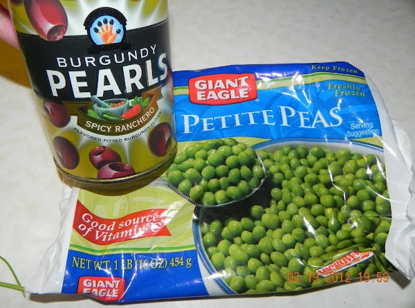 Here are the peas I used and the olives. First time to try these...