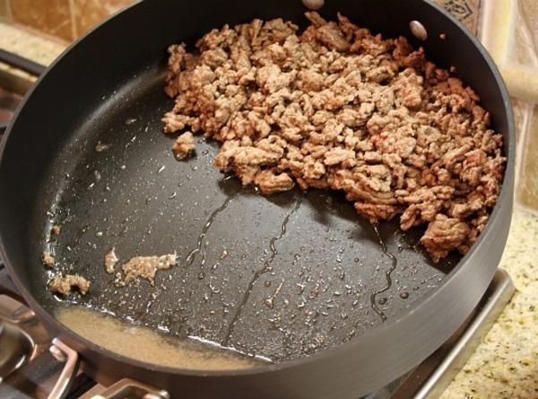 In that same large skillet,Brown Ground Beef on medium/high heat until no longer pink,Drain....