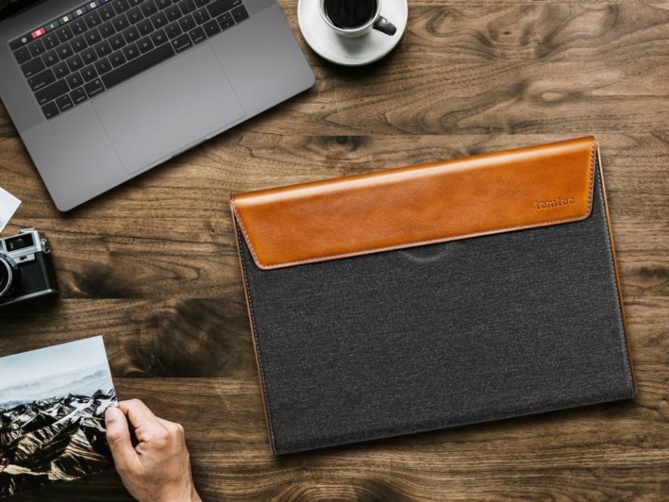 Trải nghiệm túi chống sốc Tomtoc Premium Leather: Cứng cáp, dày, thời trang