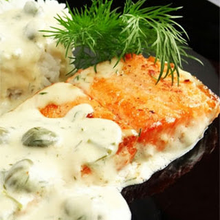 Salmon Fillets in Creamy Sauce with Capers