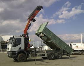 Photo: Fandos Used Trucks with crane and tipper / Camiones de ocasión con grua y basculante (usados)