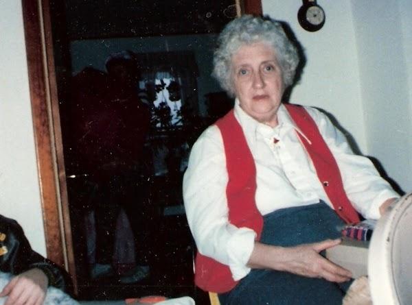 Granny Burfords Hot Rolls Recipe