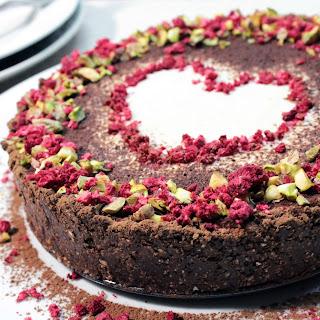 RAW CHOCOLATE-VANILLA CAKE
